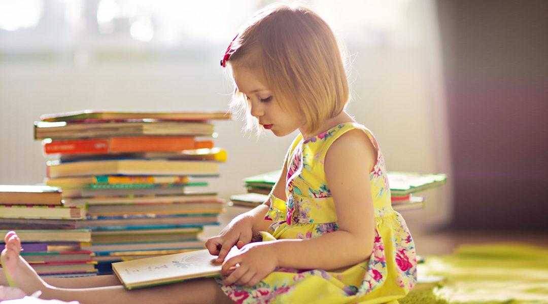 4 Tips Agar Anak Suka Membaca